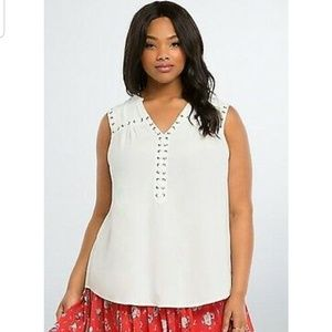 [Torrid] White Lace Up Grommet Sleveless Blouse